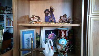 jarron y figuritas