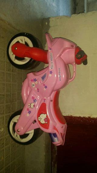 Moto juguete para niños. correpasillos