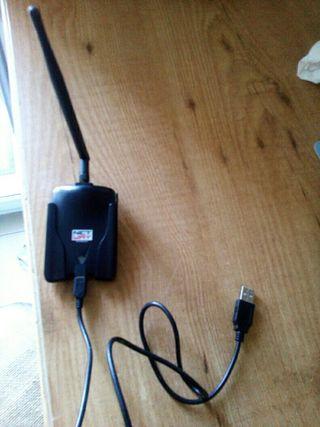 Cable universal Portátil, antena WiFi y soporte.