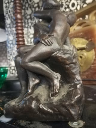 Escultura el beso de Rodin, preciosa reproducción.