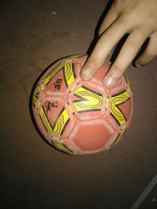 pelota balomano