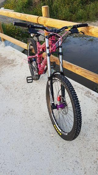 Bicicleta de descenso, dh ,downhill