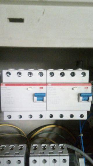 5 Interruptores diferenciales 4P