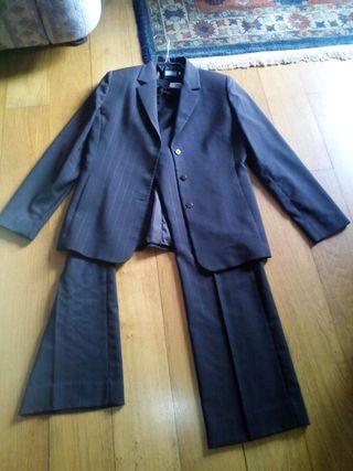 Traje chaqueta pantalón de mujer