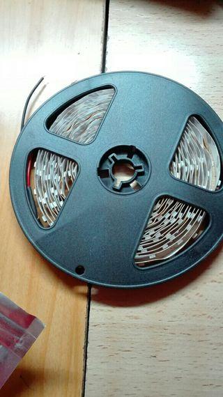 TiRA LEDS