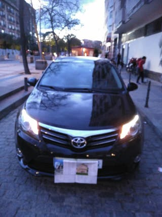 Toyota Avensis Advance 2014