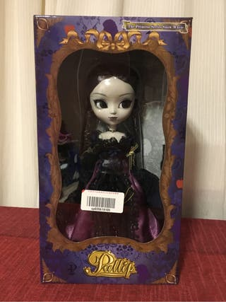 Pullip - The Princess Series: Modelo Midnight Velvet.