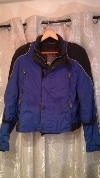 pantalón y chaqueta de Cordura