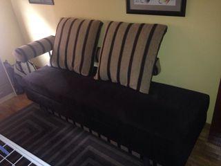 Precioso y moderno sofa -cama