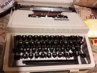 Olivetti Dora. Máquina de escribir