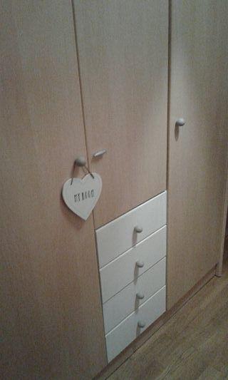 armario tres puertas