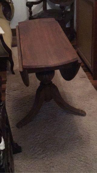Mesa de madera plegable antigu
