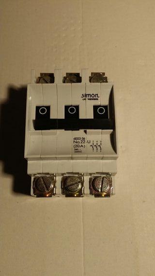 Magnetotermico III 20 A Simon Nuevo
