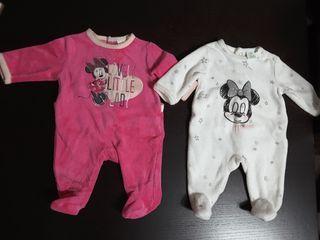 dos pijamas terciopelo talla 1 mes minnie Disney.