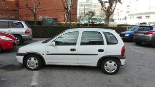 Opel Corsa 1998.+radio CD. negociable muy cuidado