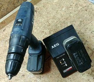 Taladro percutor atornillador AEG 12V