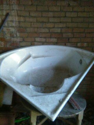 bañera de rinconera