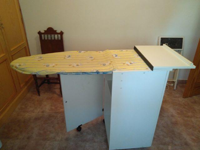 Mueble De Planchado Blanco De Segunda Mano Por 51 En Alhama De