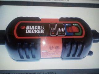 cargador para coche y moto.BLACK AND DECKER