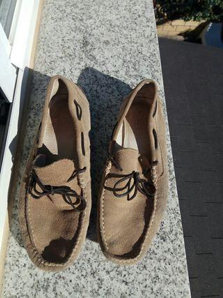 Zapatos num. 43