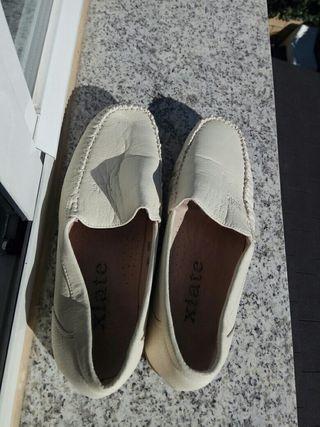 Zapatos num. 42