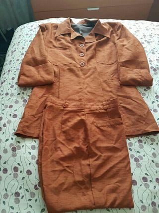 Conjunto pantalón y chaqueta