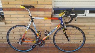Bicicleta de carretera Mendiz Status