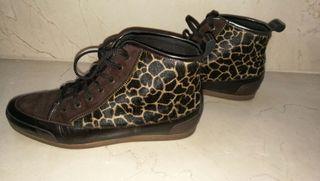Zapatillas piel de potro