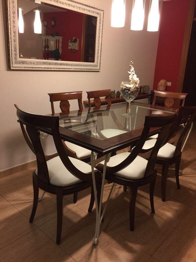Mesa comedor de forja, madera y cristal y 6 sillas de segunda mano ...