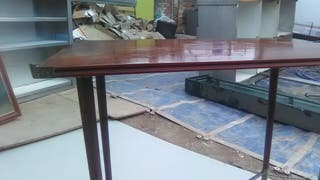 preciosa mesa antigua madera patas bronce