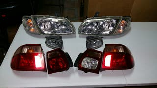 Faros Nissan Almera N16 2.2Di 4 puertas