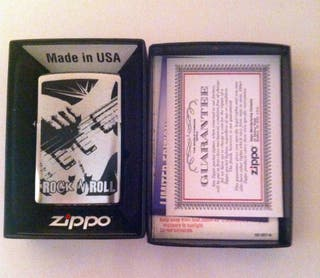 Zippo Rock and Roll Modelo 200-Brushed Chrome