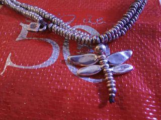Preciosa pulsera UNO de 50 libélula