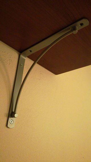 3 soportes/angulos acero estanterias.gris mate.6€