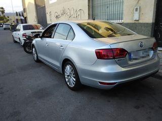VW Jetta Hybrid Sport