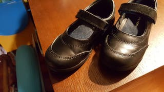 zapatos escuela niña .talla 25 y talla 26