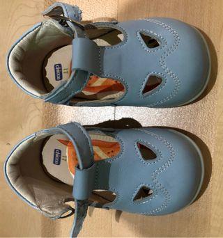 Zapatos bebé Chicco talla 17