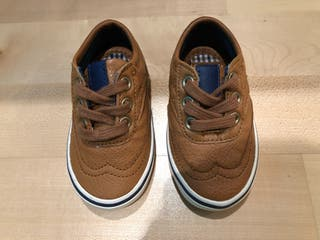 Zapatillas bebé talla 18