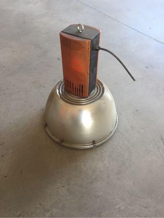 Lámpara industrial. Foco