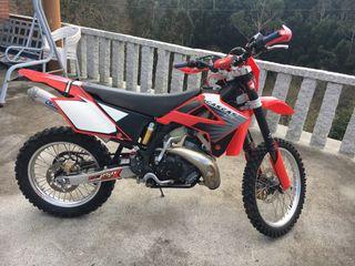 Moto enduro 250cc 2 ct