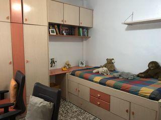 Dormitorio juvenil sin la cama
