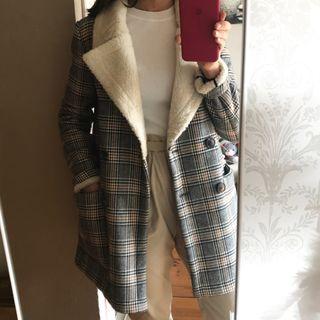 Abrigo cuadros Zara