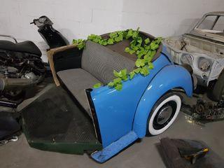Carroza hecha con medio escarabajo
