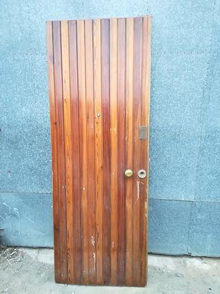 Puerta de entrada blindada maciza
