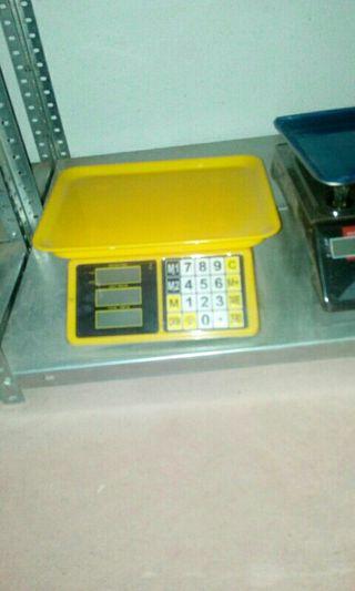 balanza bascula amarilla digital