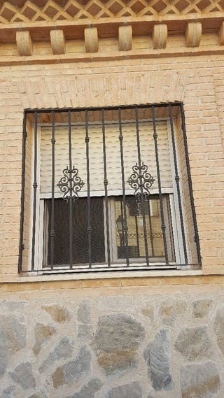 Puertas de rejas de segunda mano en wallapop for Puerta hierro segunda mano
