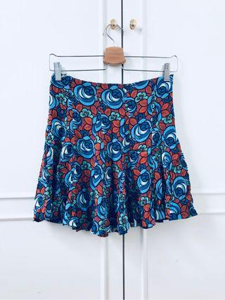 Falda estampada Zara.