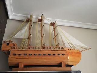 Barco artesanal.