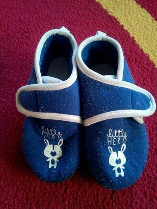 Zapatillas de casa T24