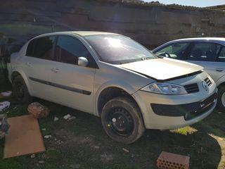 Renault Megane 2004 para ((((piezas o entero)))